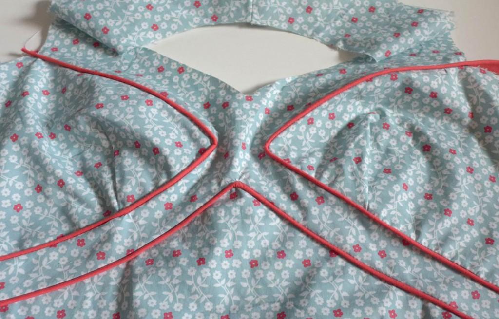 Sommerkleid mit Paspel- Oberteil fertig